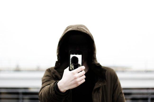 Selfie-mania 730 milioni l'anno